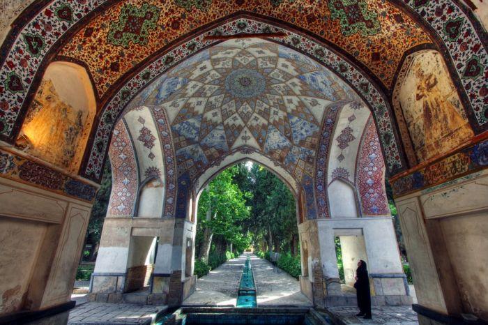 محيط آرايی در ايران باستان