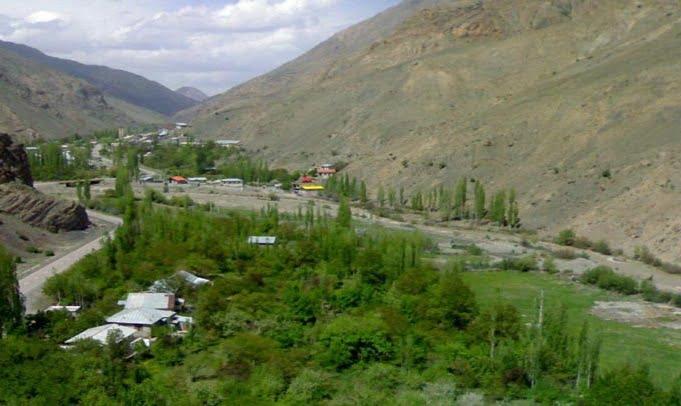 روستای تاکر