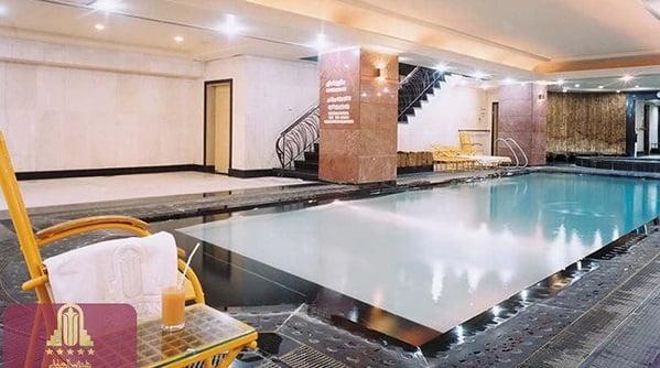 استخر هتل پارسیان استقلال تهران
