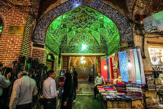 نمایش فرهنگ و هنر تبریز در کتاب