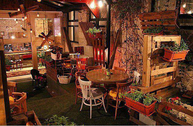 رستوران پیرکاردین تهران