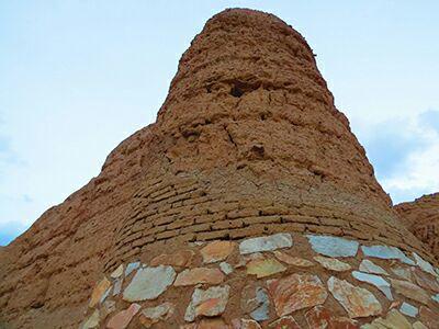 قلعه نشستآباد دلیجان