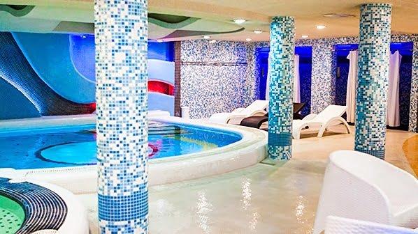 استخر هتل هما تهران