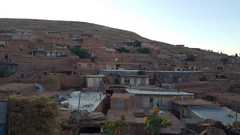 روستای توتا خانه