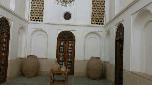 اقامتگاه سنتی خانه سه نیک یزد