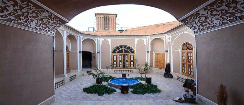 اقامتگاه بوم گردی نارنجستان یزد
