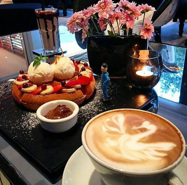 کافه لیوینگ روم تهران