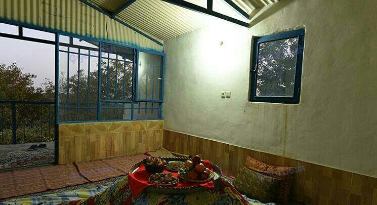 اقامتگاه بومگردی شاهدان نجف آباد