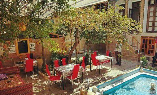 اقامتگاه بومگردی طاها شیراز