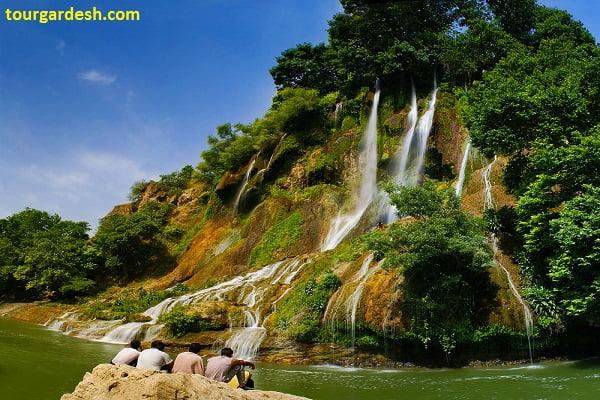 نمایی از آبشار بیشه در لرستان طبیعت گردی با تورگردش