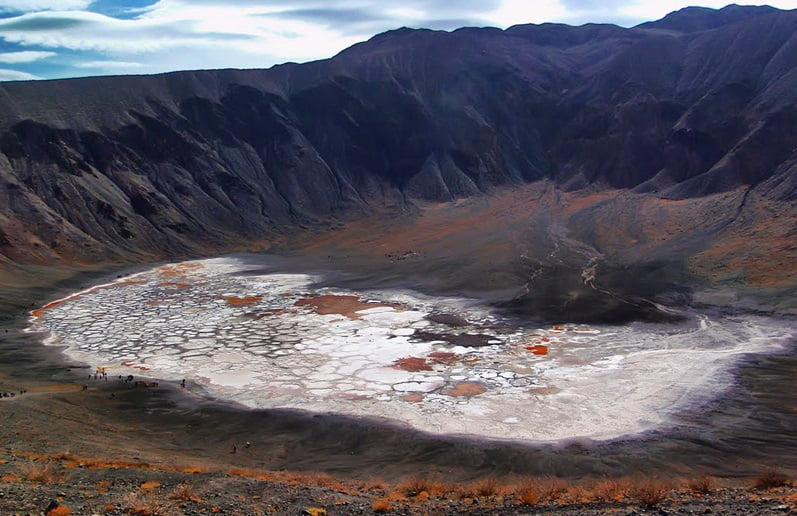 دهانه های آتشفشانی راین
