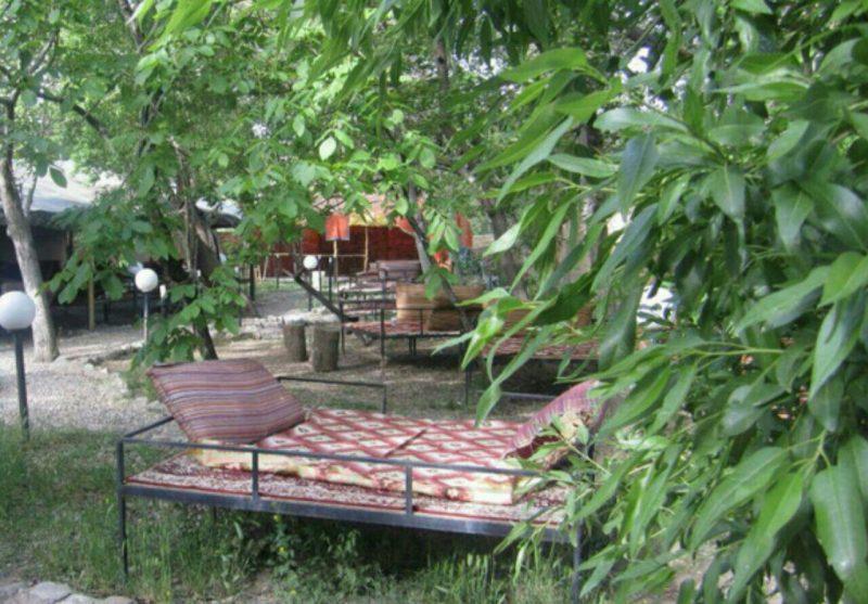 رستوران باغ صبای نراق