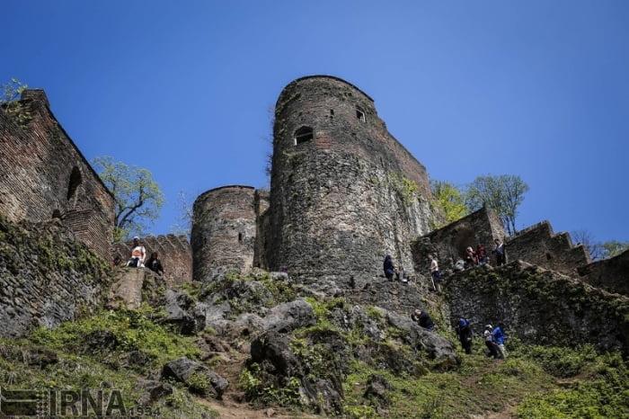 سازه های قلعه رودخان یک به یک، سر به خاک می سایند