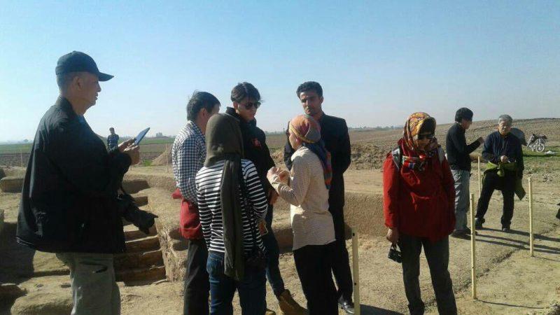 گردشگران چینی از محوطه باستانی جندی شاپور دزفول دیدن کردند