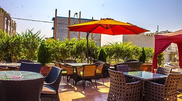 کافه رستوران اردیبهشت