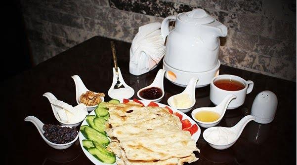 کافه سنتی بام تهران