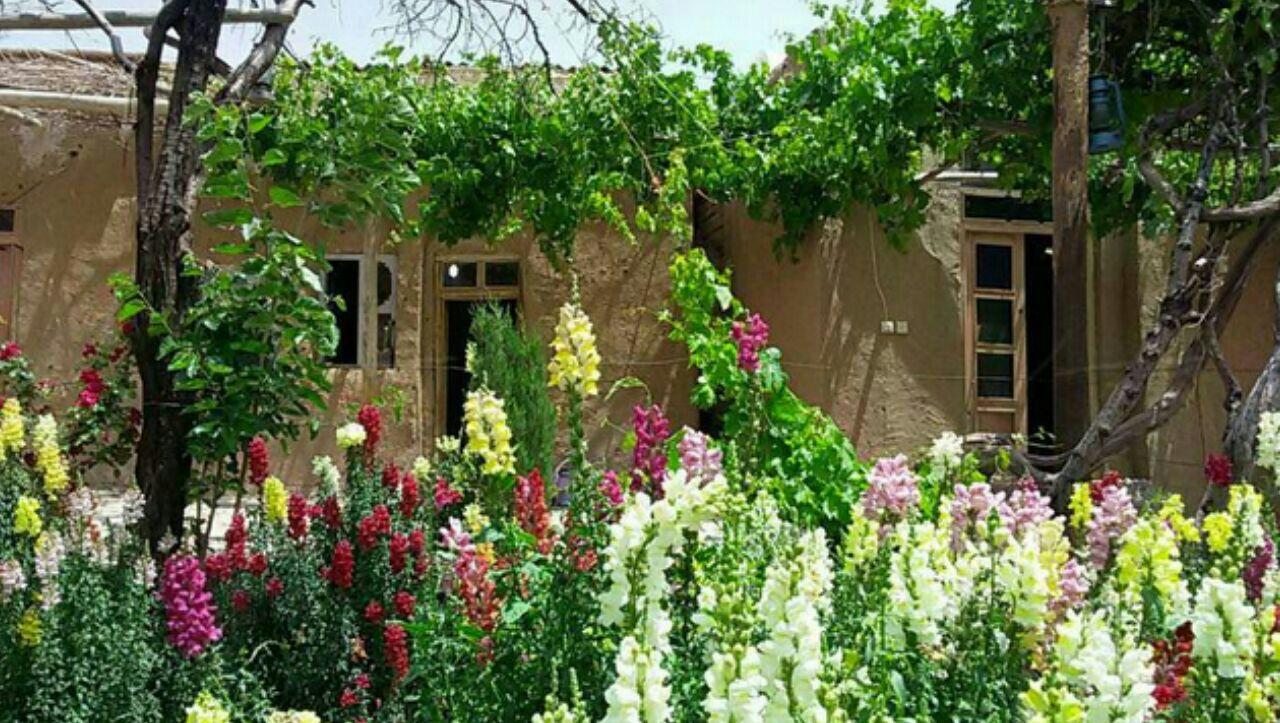اقامتگاه بومگردی خانه آس دهمورد آباده طشک