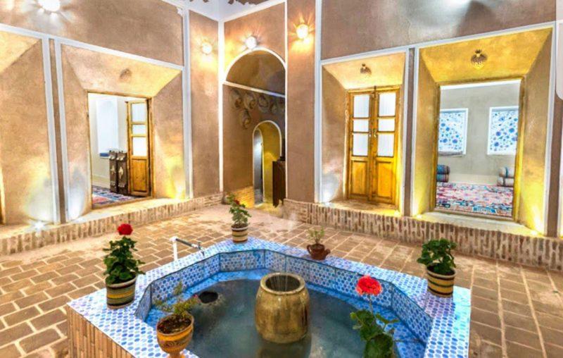 هتل سنتی انار با قدمت ۳۰۰ سال