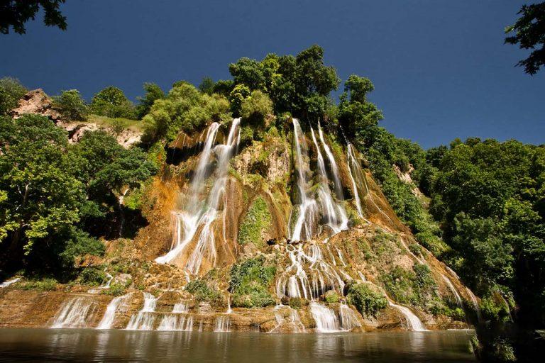 آبشار بیشه از جاهای دیدنی خرم آباد