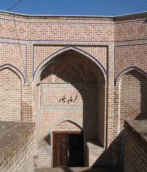 حمام بلور جاهای دیدنی قزوین در بهار
