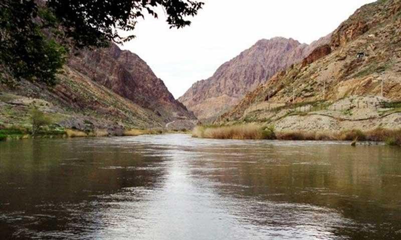 رودخانه ارس جاهای دیدنی جلفا در بهار