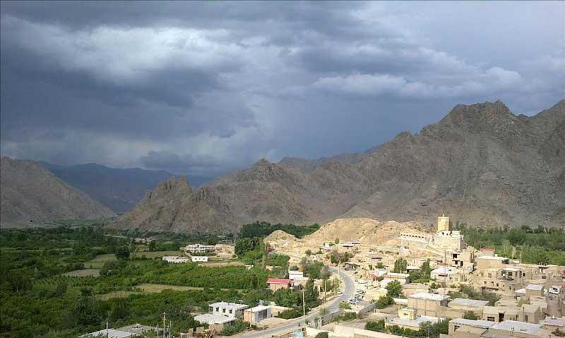 روستای دوزال جاهای دیدنی جلفا در بهار