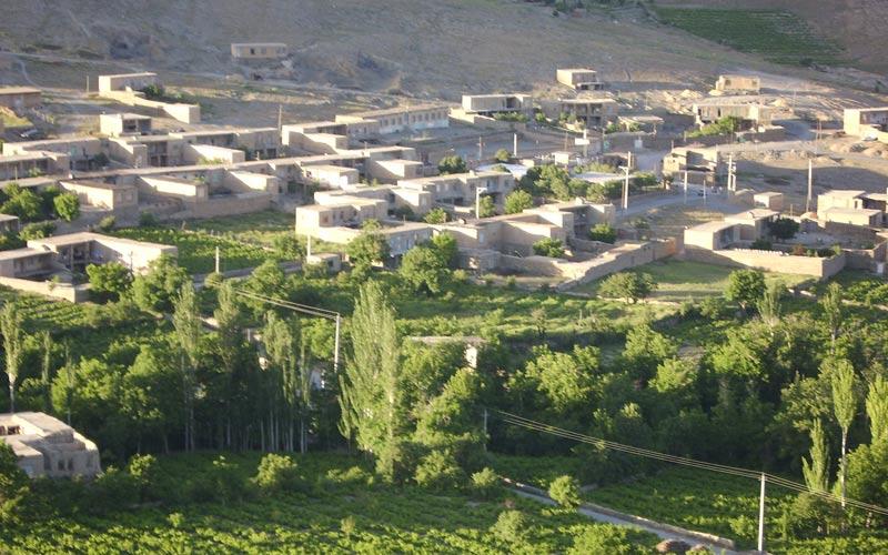 روستای هزاوه از جاهای دیدنی اراک جاهای دیدنی اراک در بهار