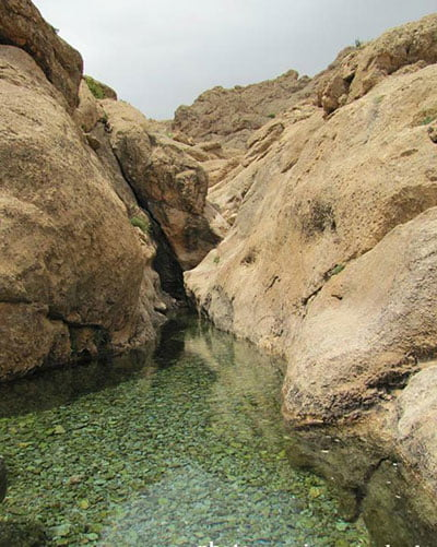 چشمه قلقل جاهای دیدنی سمنان در بهار