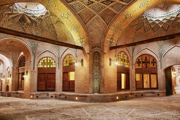 کاروانسرای سعد السلطنه جاهای دیدنی قزوین در بهار