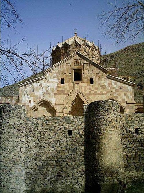 کلیسای-سنت-استپانوس 100 جاهای دیدنی ایران که قبل از مرگ باید دید