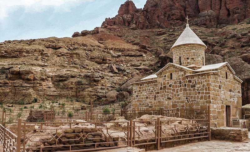 کلیسای چوپان جاهای دیدنی جلفا در بهار