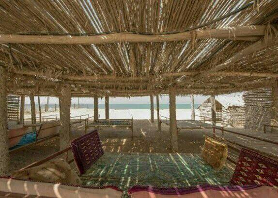 اقامتگاه بومگردی ساحلی فردیس قشم