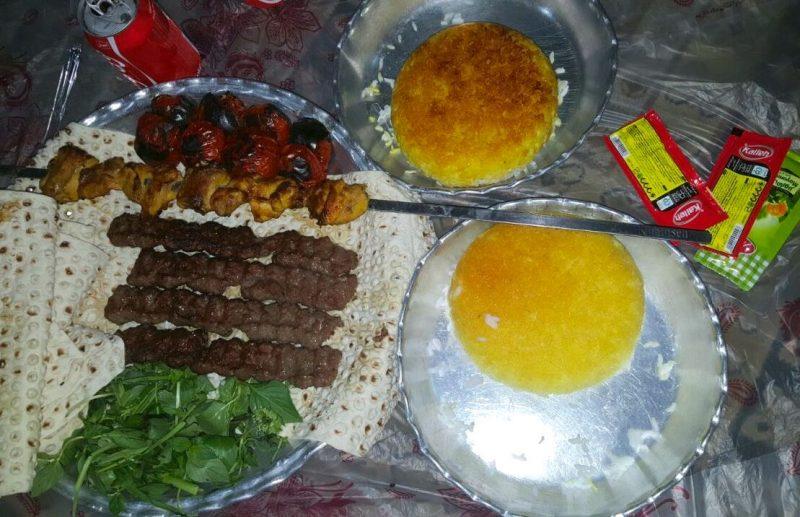 رستوران سنتی کارن ساری