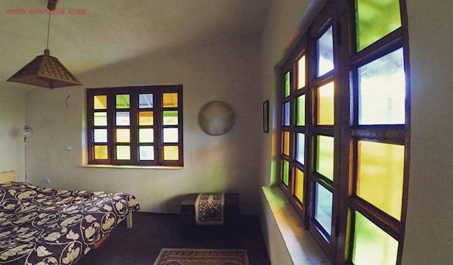 اقامتگاه بومگردی رنگین خانه