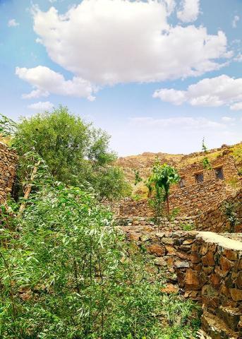 اقامتگاه بومگردی ارگ سنگی سنگان تهران
