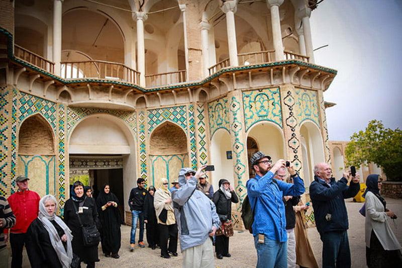 رسانه ها چهره واقعی ایران را به گردشگران خارجی نشان دهند