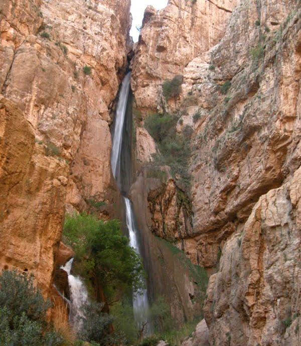 آبشار پیران  20 جای دیدنی کرمانشاه در تابستان