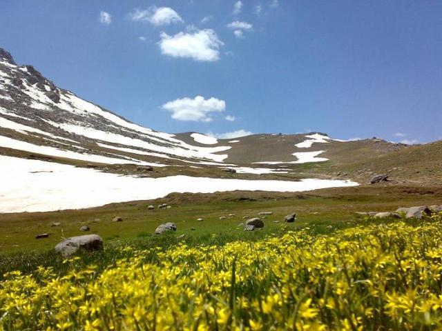 10 جای دیدنی همدان در تابستان