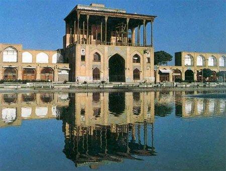 20 جای دیدنی اصفهان در تابستان