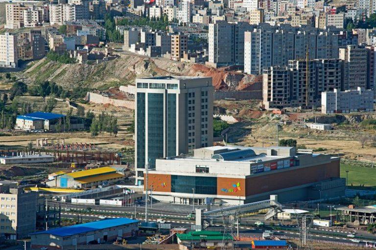 مجتمع تجاری تفریحی لاله پارک  جاهای دیدنی تبریز (معرفی 100 جاذبه با عکس)