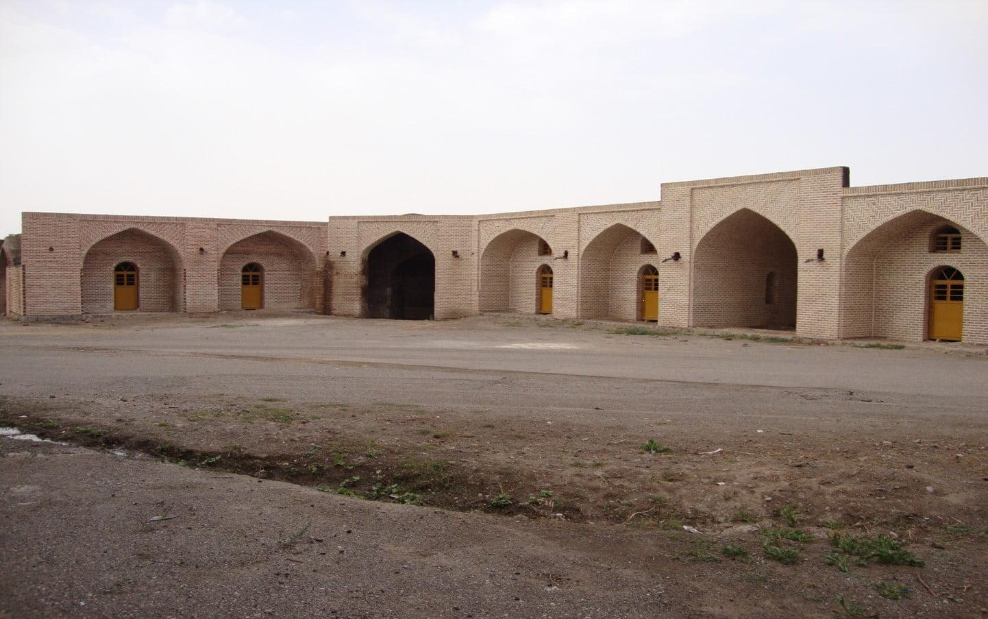 کاروانسرای نیک پی  20 جای دیدنی زنجان در تابستان