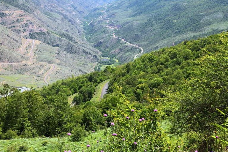 آلاشت  خنک ترین شهرهای ایران در گرمای تابستان