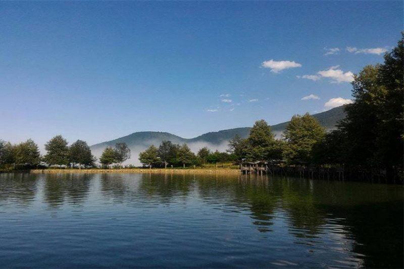 دریاچه قو