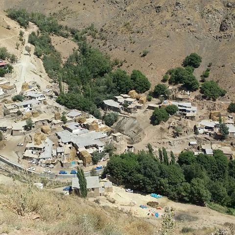 روستای لندی  20 جای دیدنی چهار محال و بختیاری در تابستان