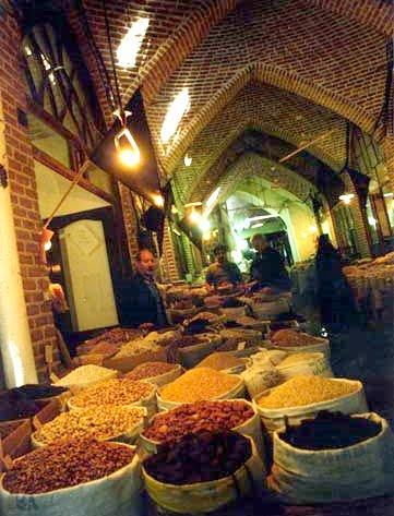 بازار - جاهای دیدنی اردبیل در پاییز