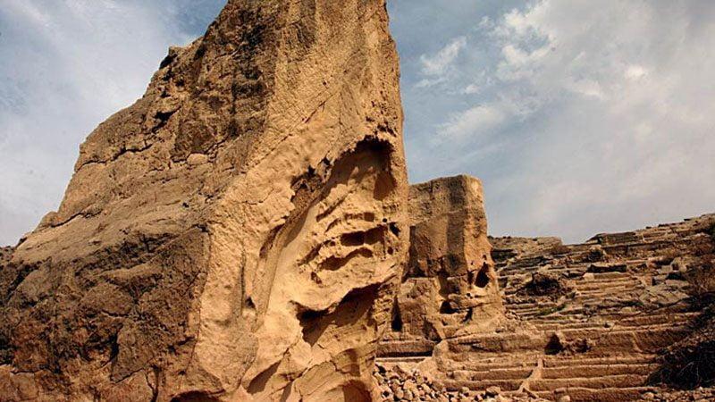 دستکند 800x450 - جاهای دیدنی سیراف | جاذبه های گردشگری ایران