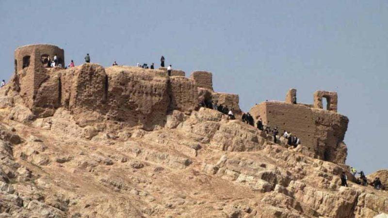 سارویه 800x450 - جاهای دیدنی اصفهان در پاییز