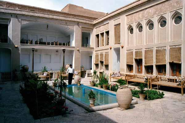 ملک التجار - جاهای دیدنی یزد در پاییز