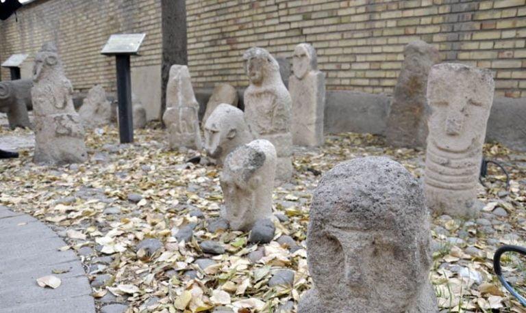 موزه سنگی - جاهای دیدنی تبریز در پاییز