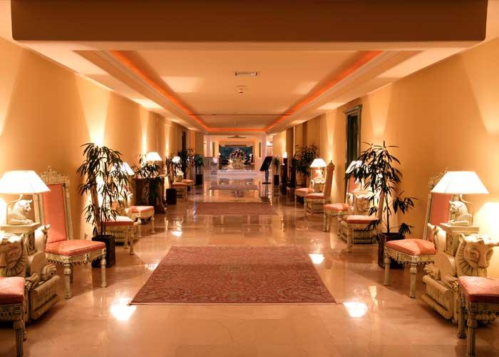 هتل گران می شود؟